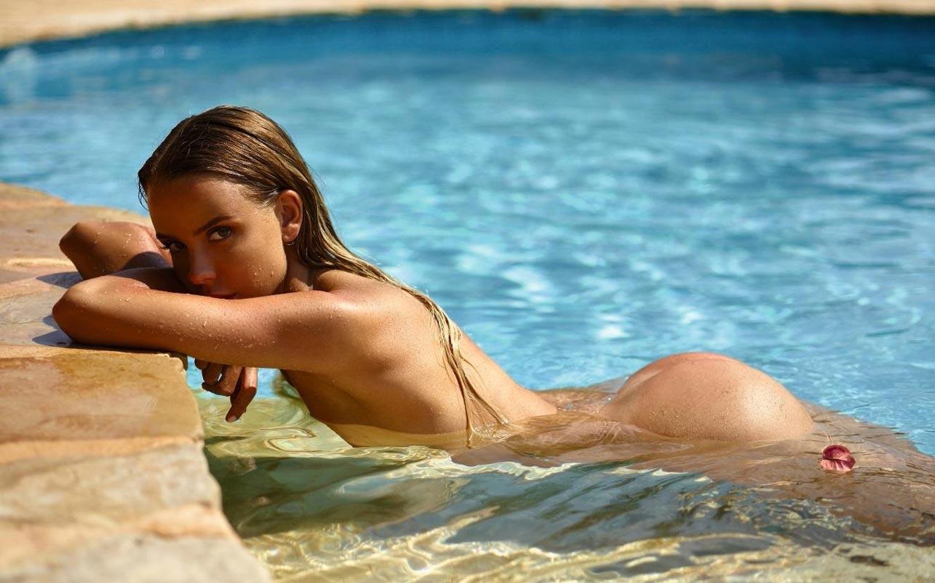 Тэйлор Брюманн - Девушка месяца Playboy Германия в мае 2021 / фото 01