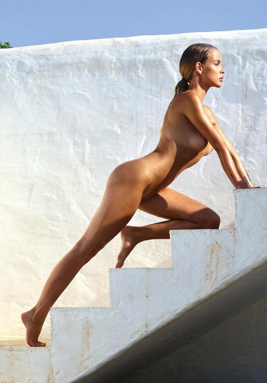 Тэйлор Брюманн - Девушка месяца Playboy Германия в мае 2021 / фото 07
