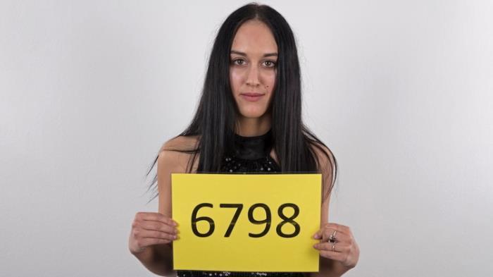 Lucie - (6798) (2021 CzechCasting.com CzechAV.com) [2K UHD   2160p  2.23 Gb]