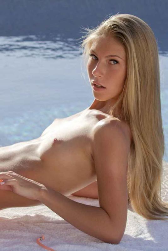 Ultrafilms.com: Sunny Skin Starring: Anjelica