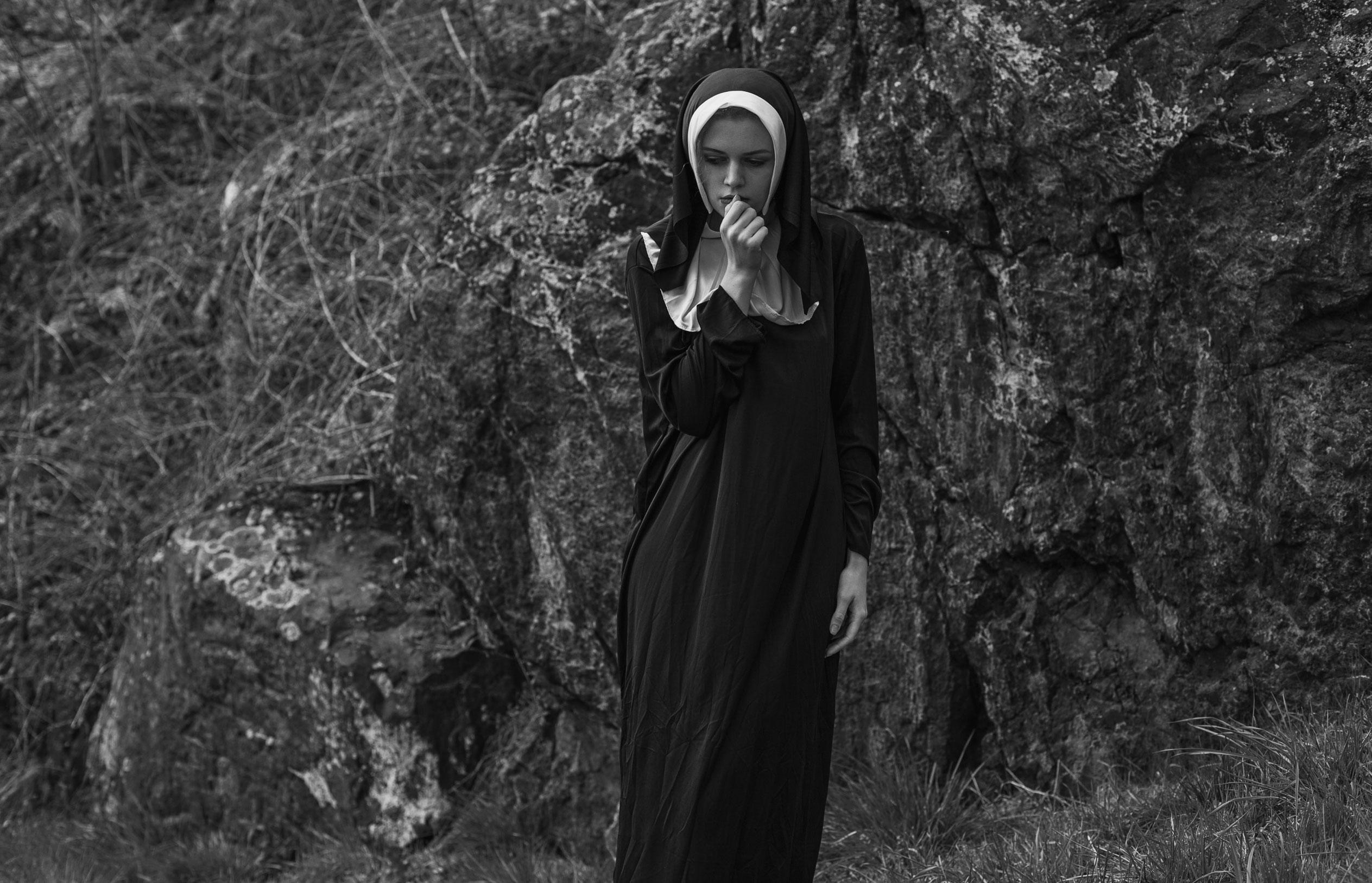 Катя Касьянова - история монашки, проигравшей в борьбе с человеческими страстями / фото 01