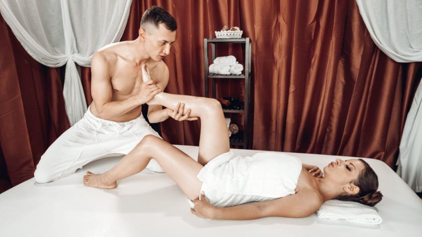 MassageRooms.com / SexyHub.com - Mary Jane [Big cock footjob on massage table] (FullHD 1080p) - June 15, 2021