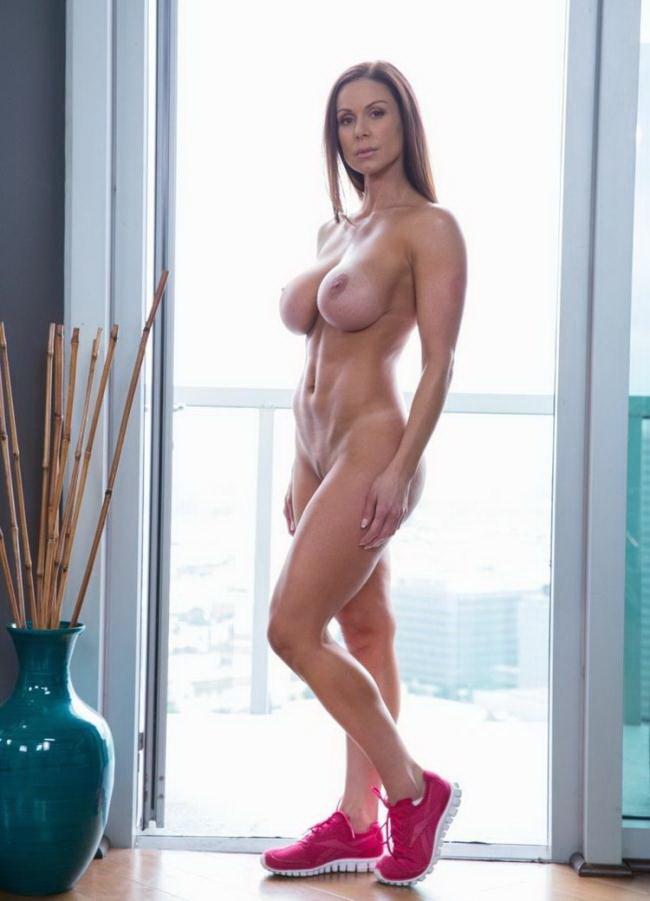 Kendra Lust - Fitness Babe Loves Huge Black Cock [Blacked / FullHD 1080p]