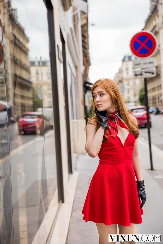 Jia Lissa - Passion For Fashion [Vixen / HD 720p]