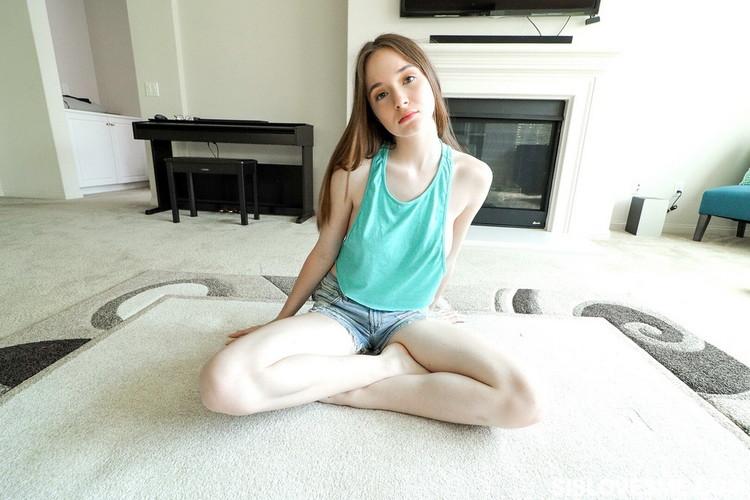 SisLovesMe/TeamSkeet: Hazel Moore - Helping Out My Step Sis [HD 720p] (Big Tits)