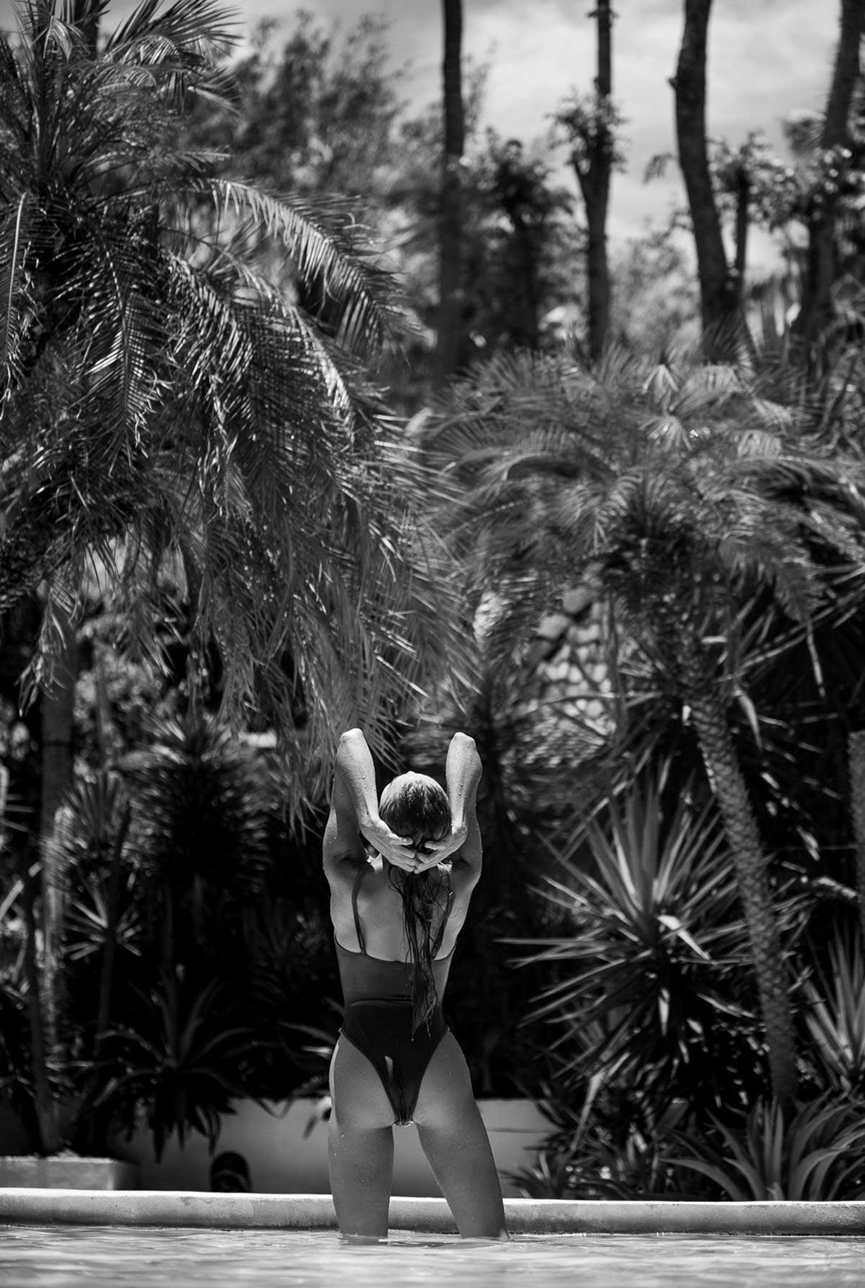 Алиса Дерен у бассейна на Бали / фото 02