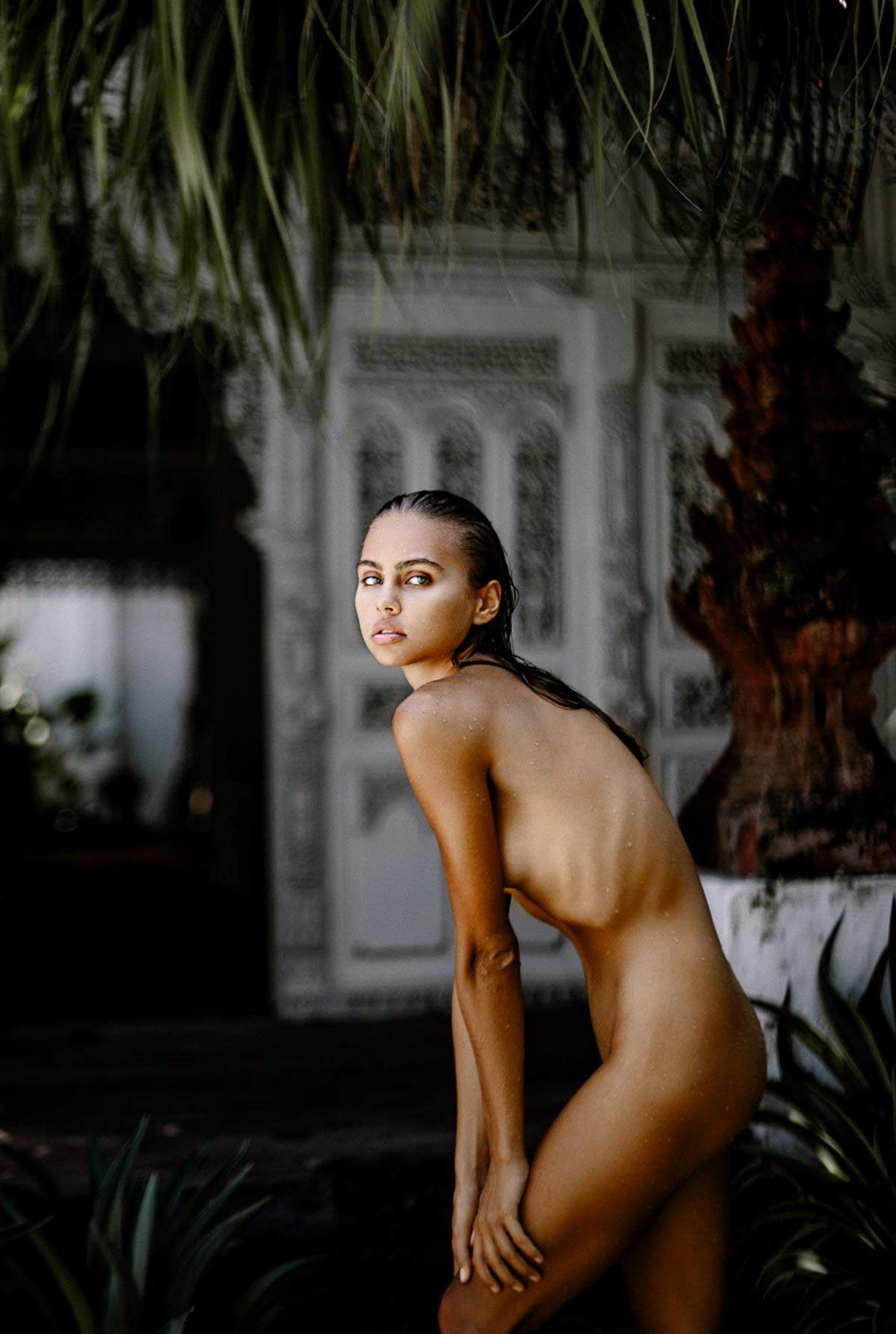 Алиса Дерен у бассейна на Бали / фото 10