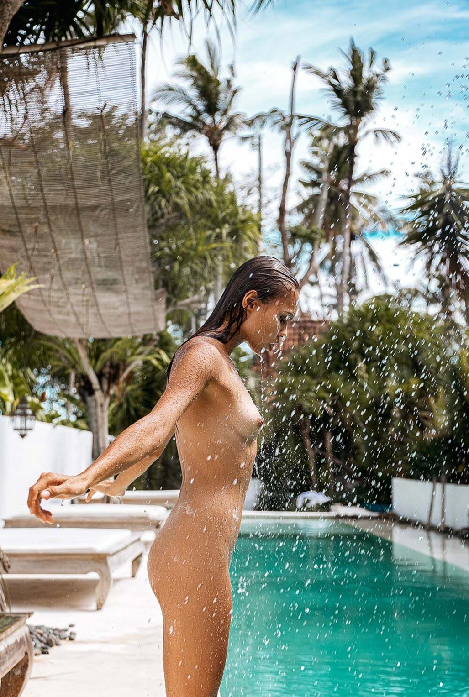 Алиса Дерен у бассейна на Бали / фото 16