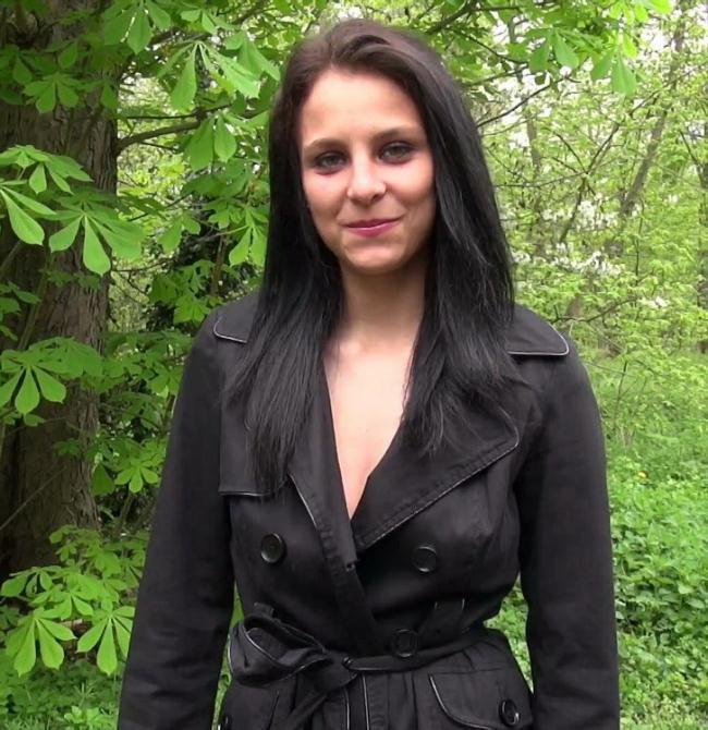 Angie - Angie, 20ans, la kabyle ose tout (2021 JacquieEtMichelTV.net Indecentes-Voisines.com) [FullHD   1080p  1.21 Gb]