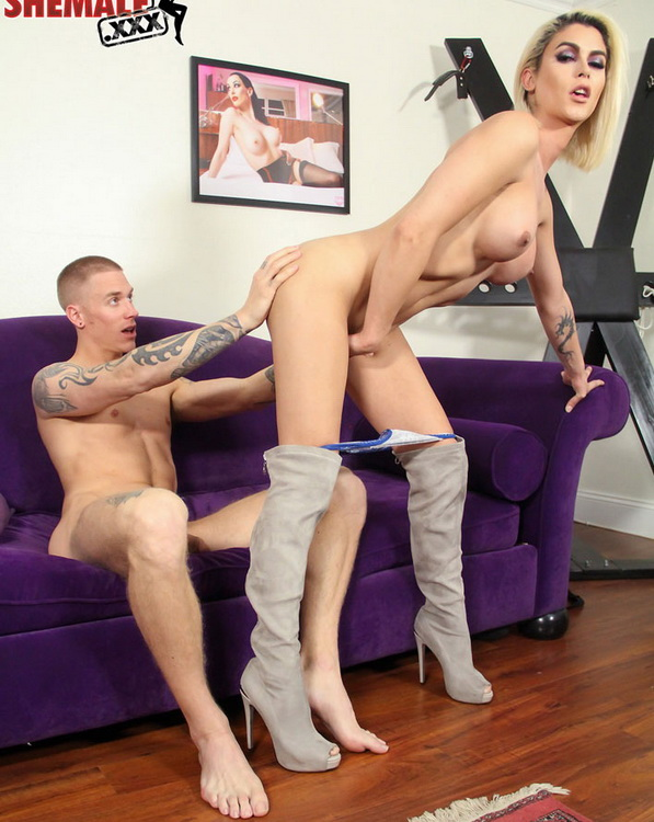 shemale.xxx: Domino Presley - Stunning Superstar Domino Presley Rides Cock [HD 720p 786 MB]