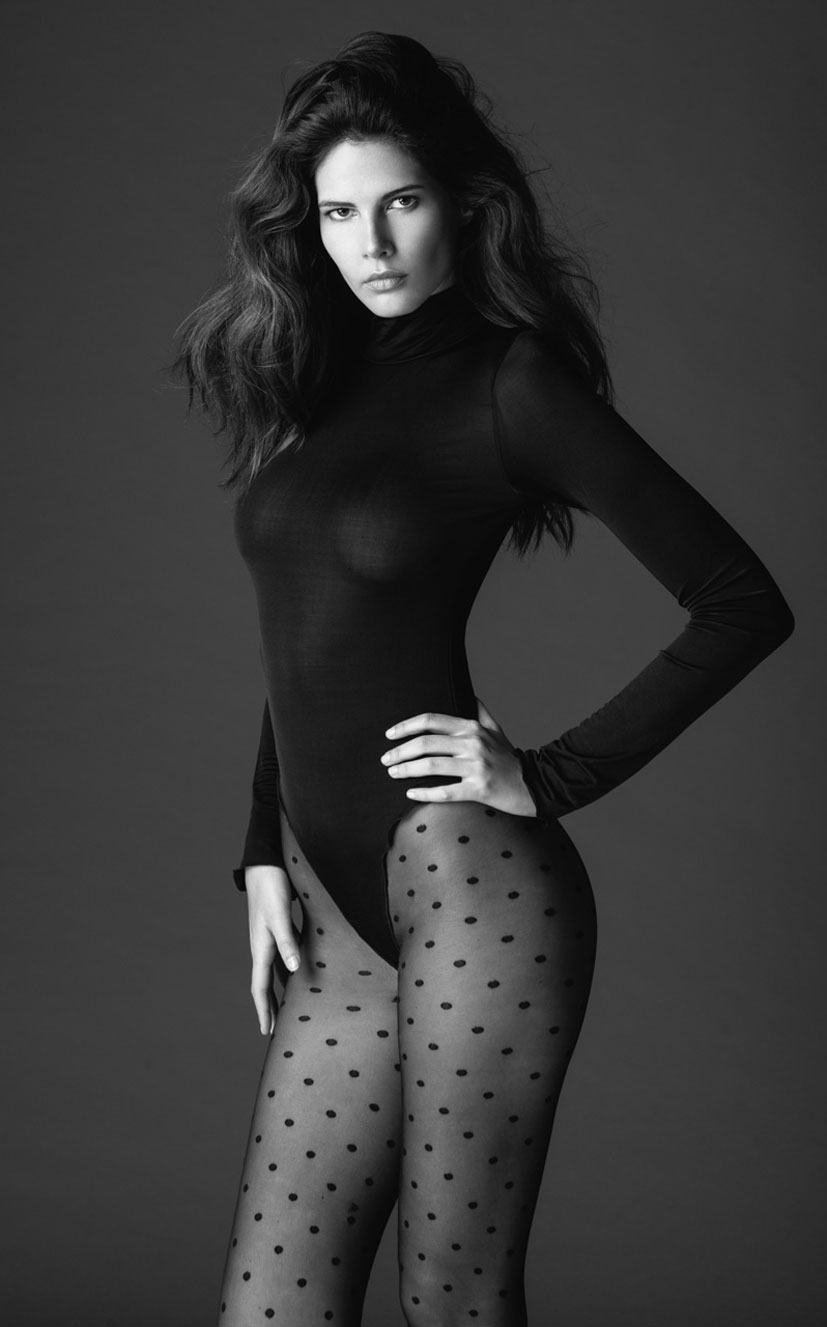 Моника Сима в черном нижнем белье / фото 07