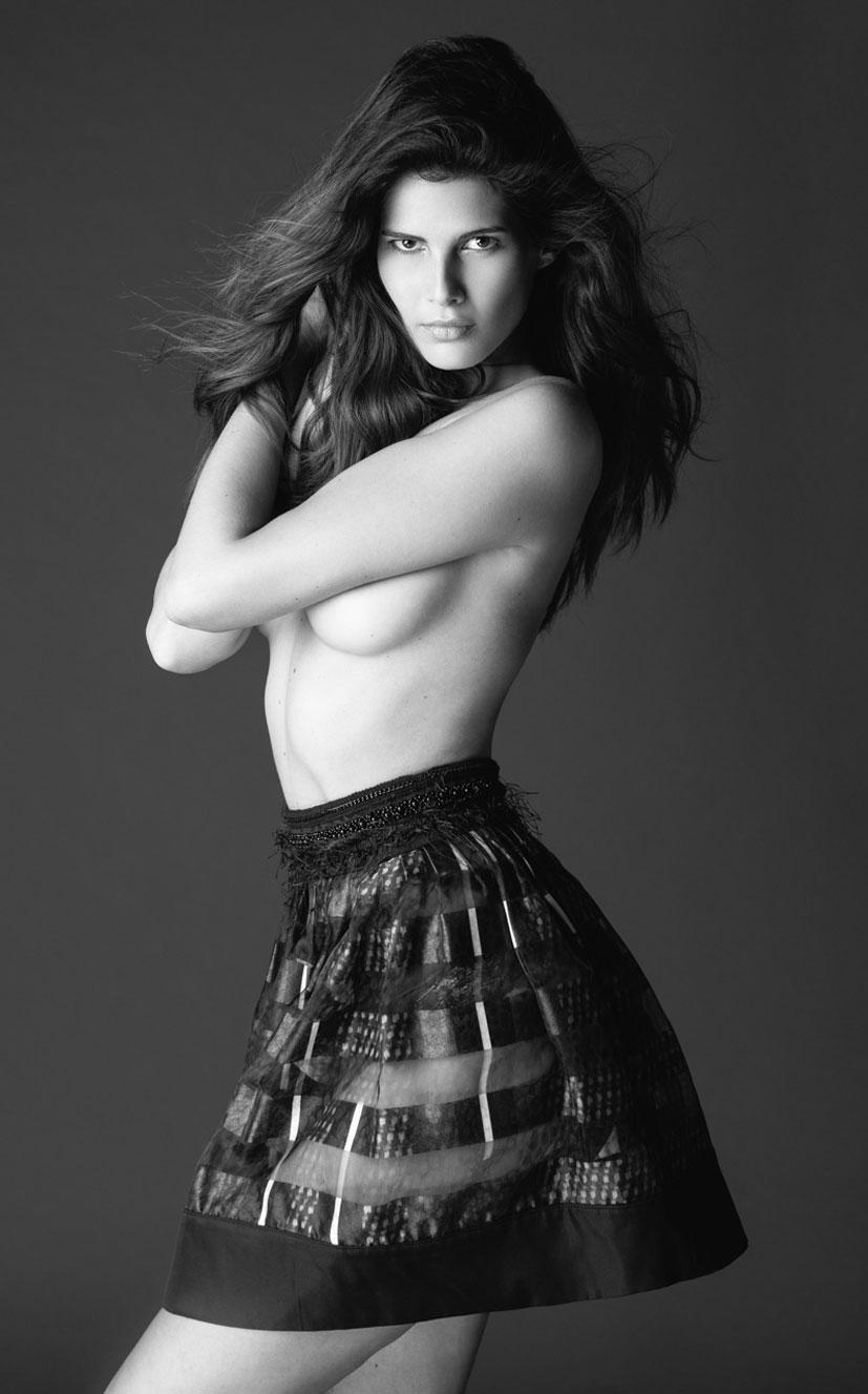 Моника Сима в черном нижнем белье / фото 09