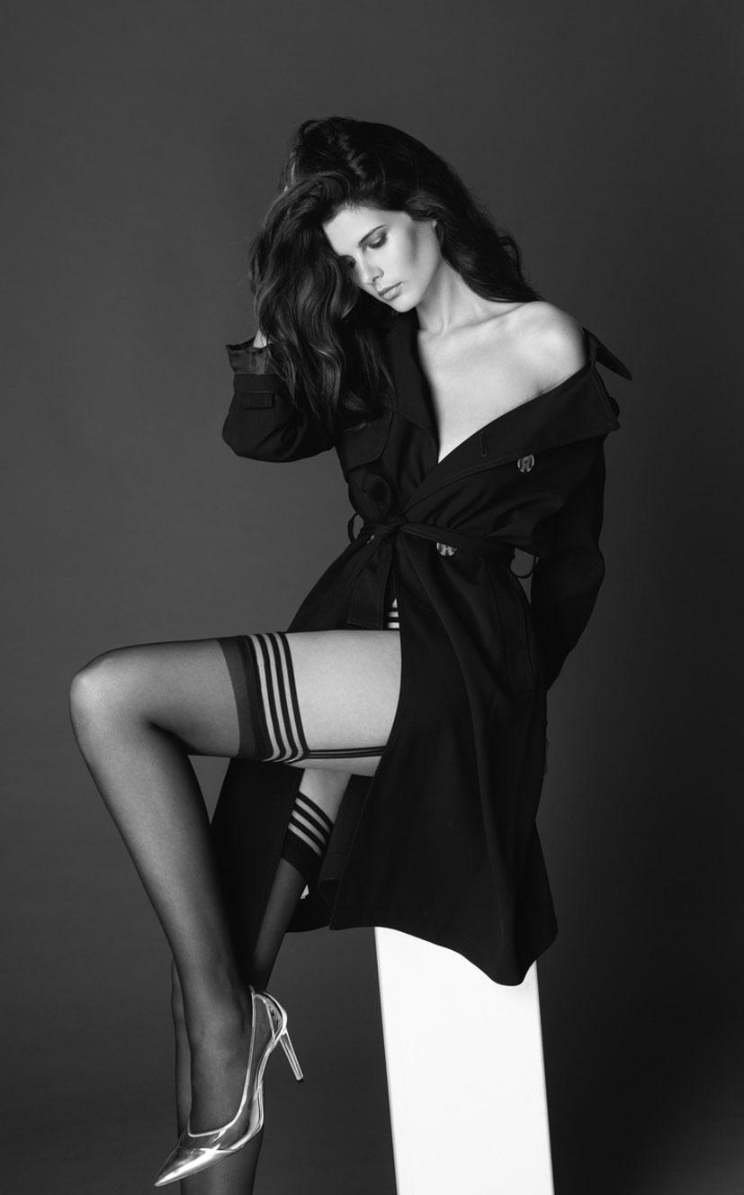 Моника Сима в черном нижнем белье / фото 10