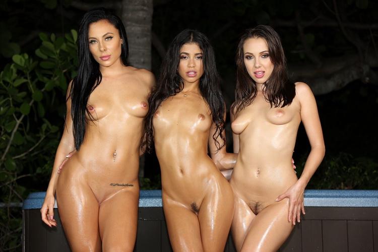 Veronica Rodriguez - Hot Tub Girls [VeronicaRodriguez / FullHD 1080p]