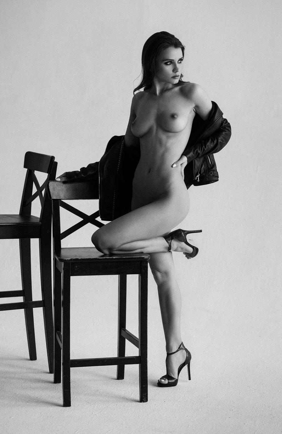 Кристина Макарова экспериментирует со стремянкой / фото 11