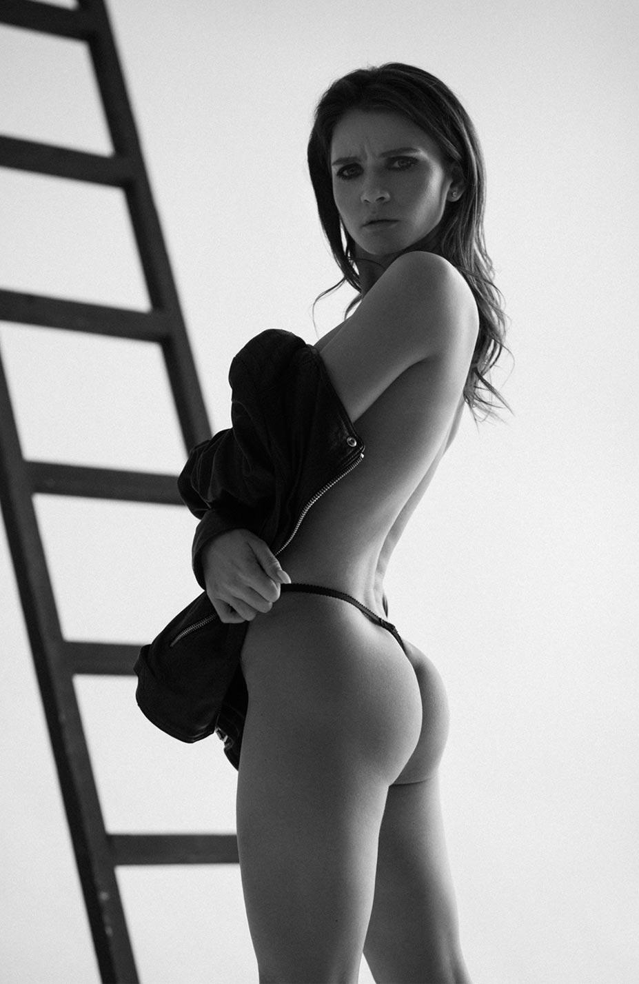 Кристина Макарова экспериментирует со стремянкой / фото 12