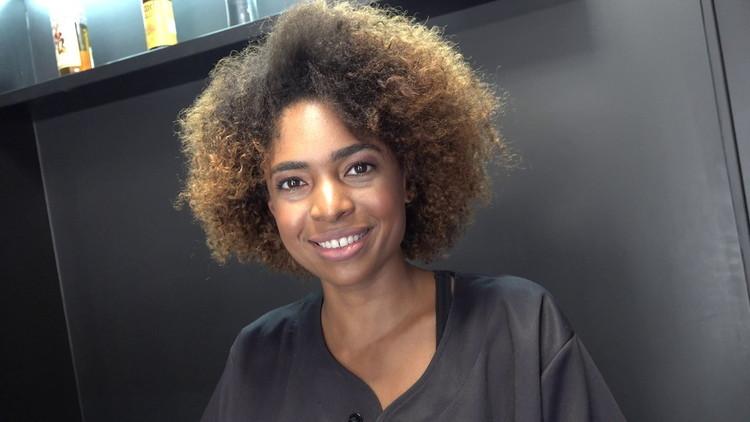 CzechStreets/CzechAV: Luna Corazon - Black sexy hairdresser [FullHD|1080p|603 MB]