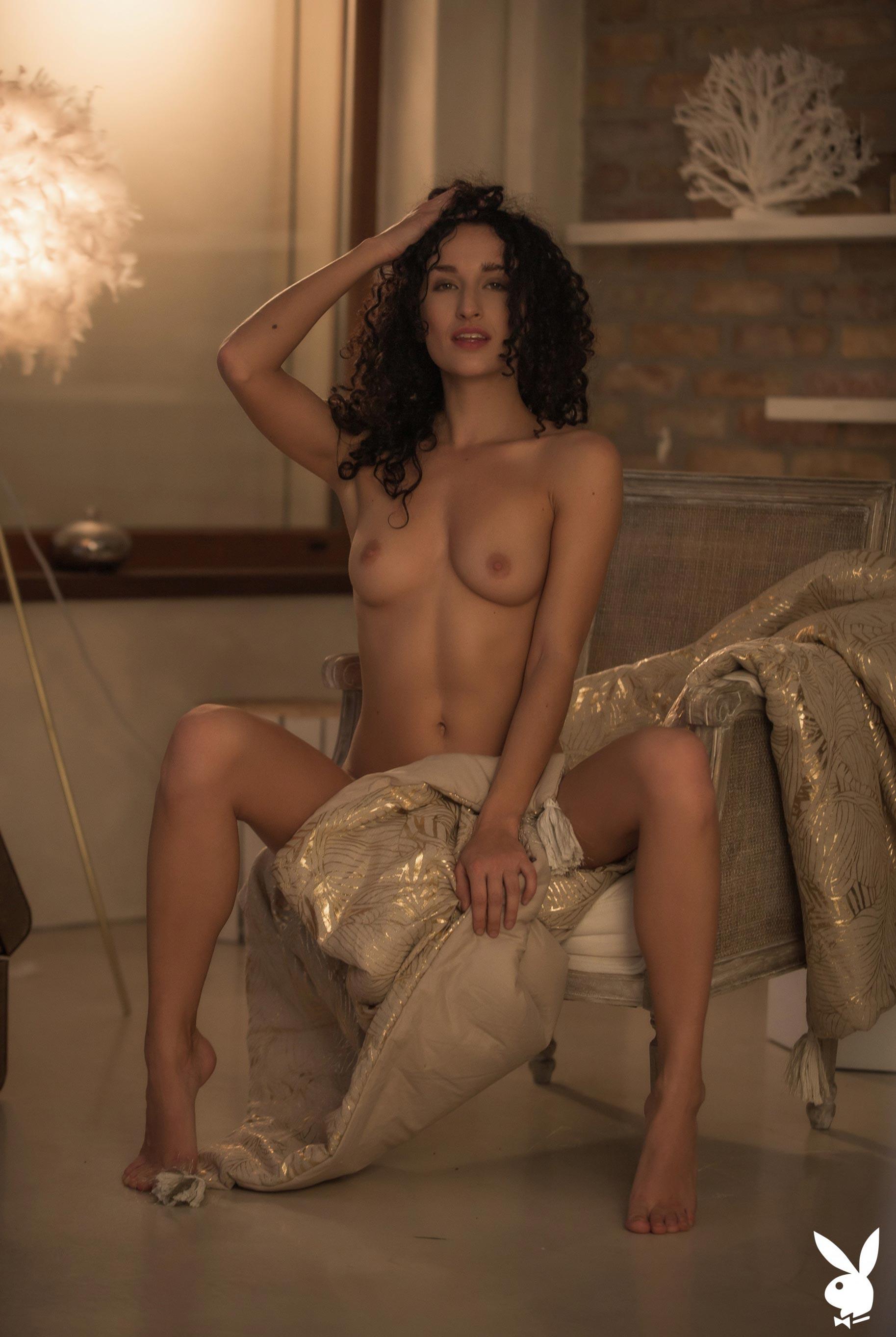 сексуальная венгерская модель Люси в спокойной домашней обстановке / фото 10