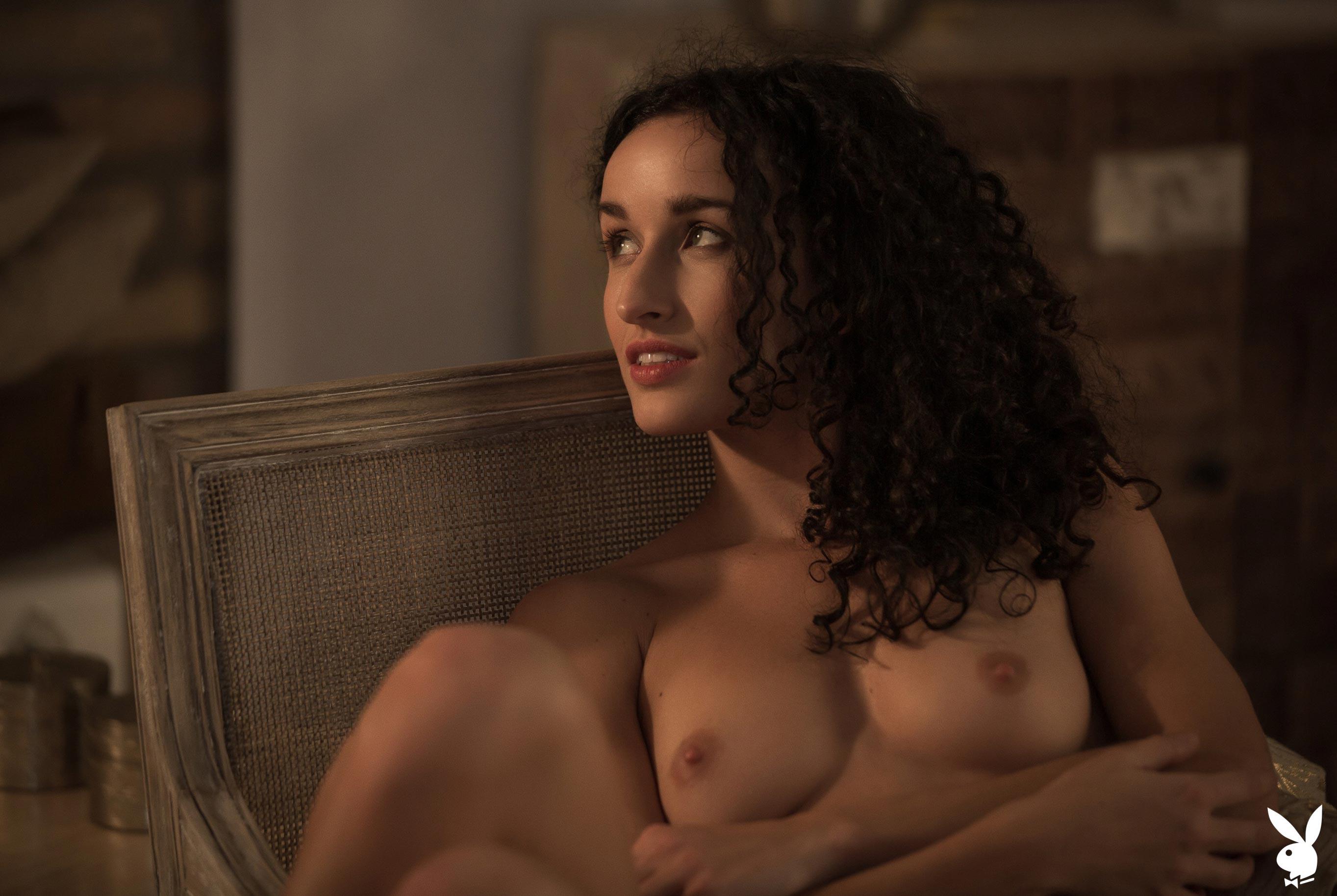 сексуальная венгерская модель Люси в спокойной домашней обстановке / фото 14