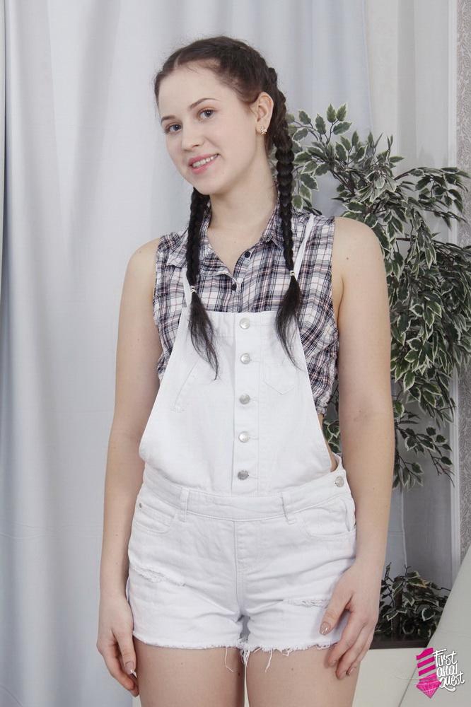 Nikki Hill - Brunette Teen One More Gaping Anal (FirstAnalQuest/FullHD) - Flashbit