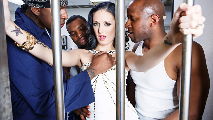 Hailey Young ~ Maximum Security MILF ~ MilfsLikeItBig/Brazzers ~ HD 720p