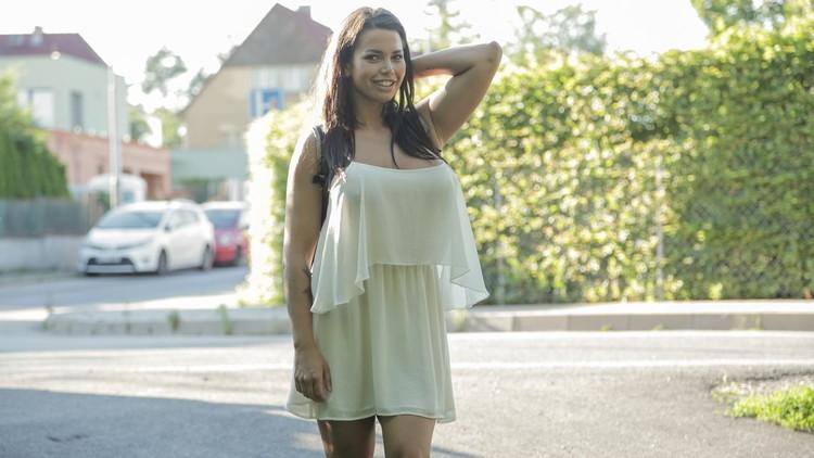 Chloe Lamour - Big boobs jizzed on for cash [FakeHub/PublicAgent] HD 720p