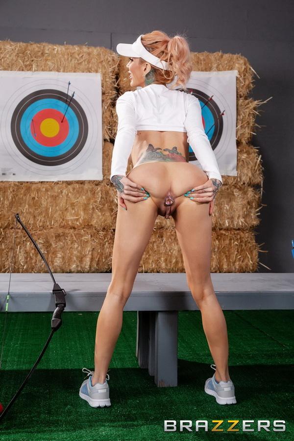 Sarah Jessie ~ Ready, Aim, Anal! ~ BrazzersExxtra/Brazzers ~ FullHD 1080p